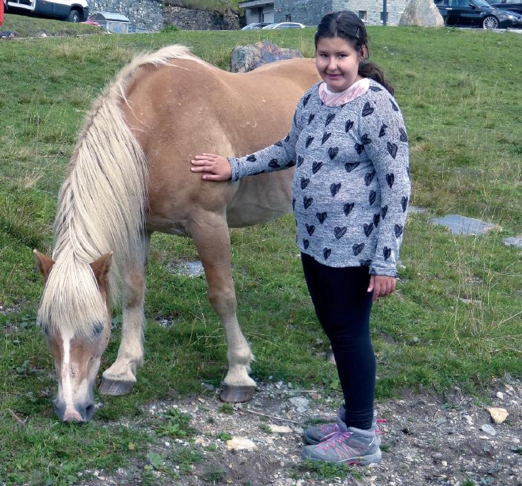 Eva, trpící P-W syndromem s koněm